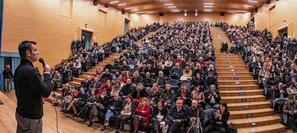 Massimu Zedda chistionat in Sassari