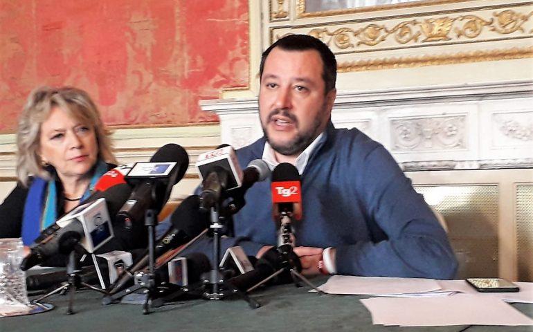 Salvini torrat po festai