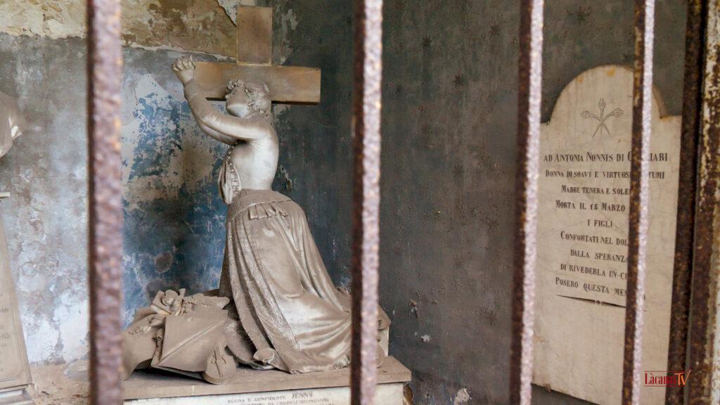 24.. il cimitero di bonaria. tomba jenny nurchis