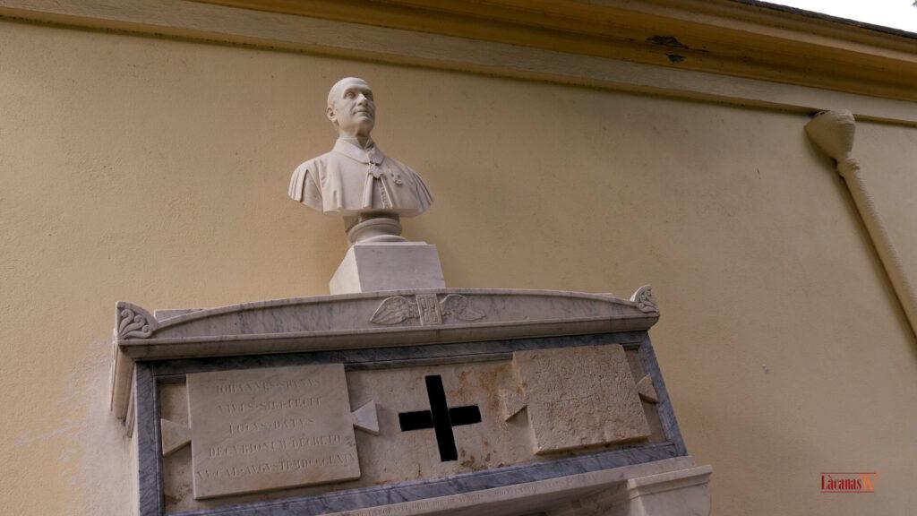 24.. il cimitero di bonaria tomba canonico Spano